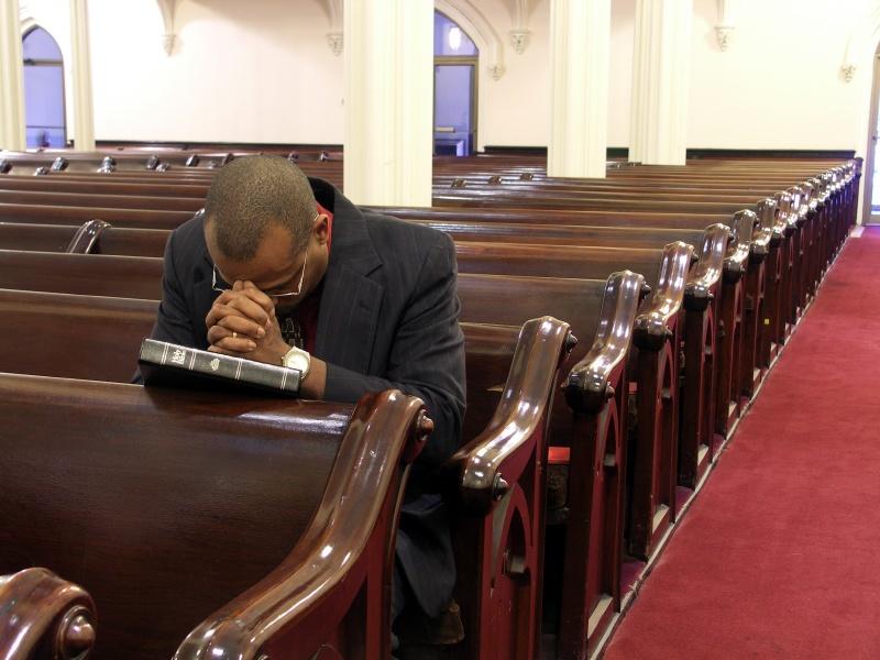 black_man_praying_in_church (1)